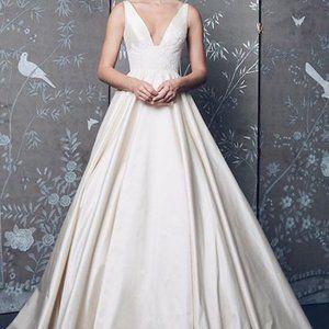 Legends Romona Keveza Wedding Dress. Brand New!
